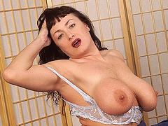 Curvy mature mom with big boobs removes her lingerie