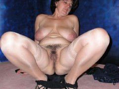 Amateur mature woman with hairy pussy by OmaPass