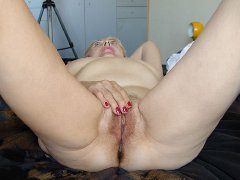 Old BBW chubby woman showing her ass and pussy