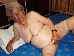 Very old grandmothers is sucking big cock hardcore
