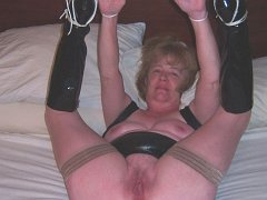 Bdsm mature and adult slave picture