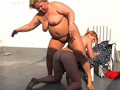 Horny lesbian fuck while sunbathing