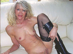 Older mature wifes showing off naked