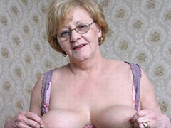 Old Chubby granny masturbating her pussy with dildo