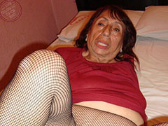 Old mother shows her old horny pussy