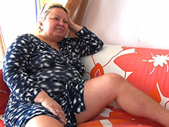 Adult toys stretching chubby mature pussy
