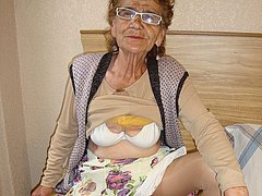 The hottest and amazing old mature granny