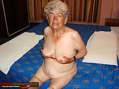 Very old grandmom blowing cock hardcore
