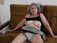 Older grannies pictured naked for your joy