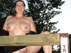 Next door mature and milf amateurs naked