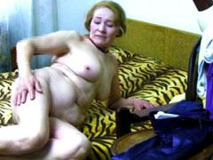 Chubby grandma really loves pussy play