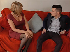 Old blonde mature women gets youngster