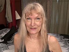Sexy granny lady from usa solo masturbation