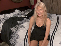 Sexy slim mature horny for masturbation