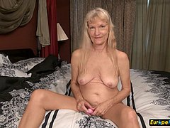Mature blonde grannies toys masturbation