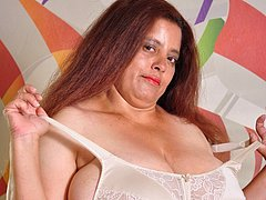 Latin curvy ladies and chubby matures