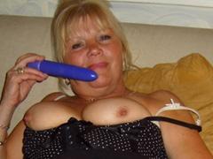 Mature porn and extreme cumshots pics