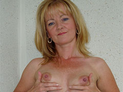 Mature amateur milf nude pictures gallery