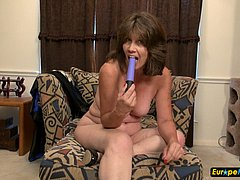 Granny naked and hot for toy masturbation