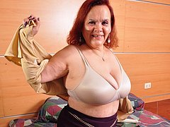Mature chubby of latin origin enjoying toying